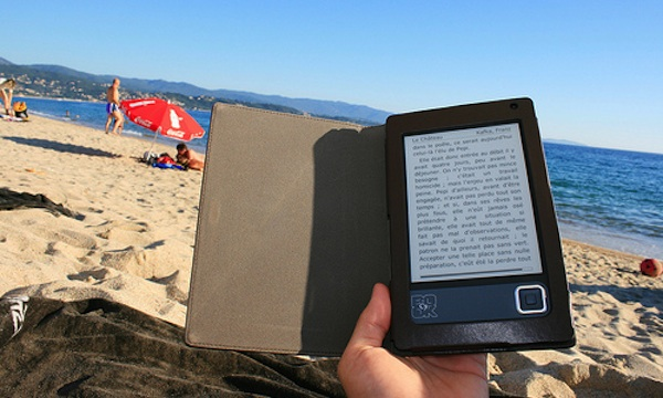 5-ebook-ereader-beach.jpg